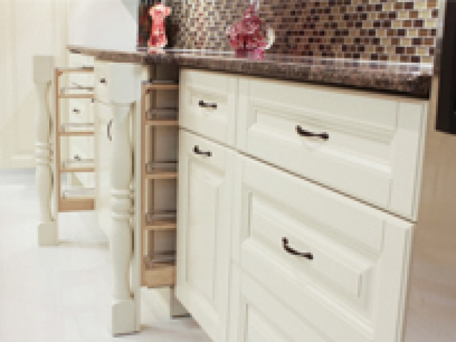 Coastal Cream White Cabinets 3
